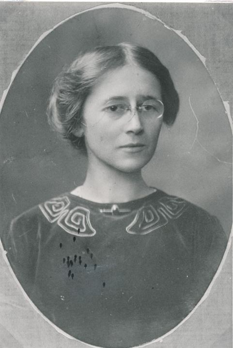 Florence (Dot) Munks (1891 to 1973)