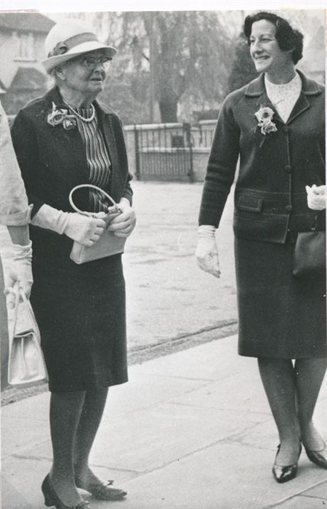 Miss Mary Stokes & her niece, Enid Huffer 1967