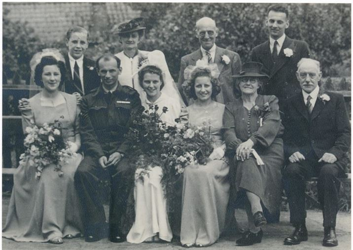 Wedding of Mary Robinson and Reg Smart (1946)
