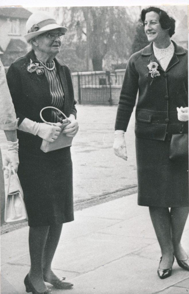 W0010b Mary Stokes & Enid Huffer