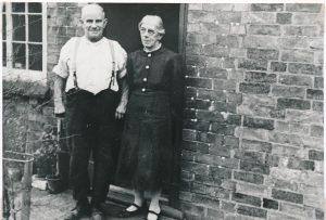W0017a Mr & Mrs Tom Starbuck Cromwell Cottage
