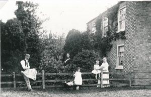 W0047a Burnett family The Yews
