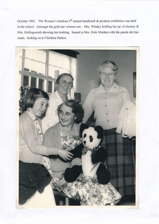 W0448 WI 4th annual handicraft & produce show 1961