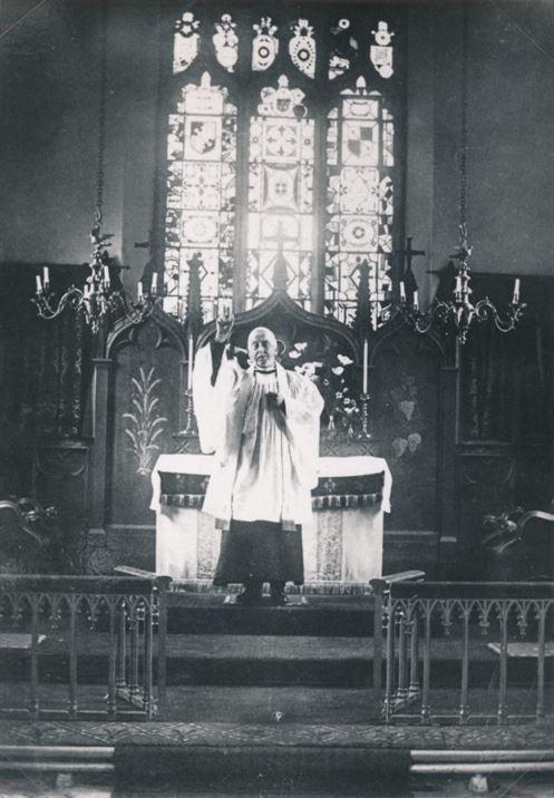W0944a Church interior - Canon Ashmall (1930s)