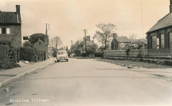 W1283b The School & Main St 1950s