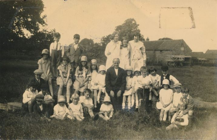 W1295a Methodist Sunday School - anniversary June 1930