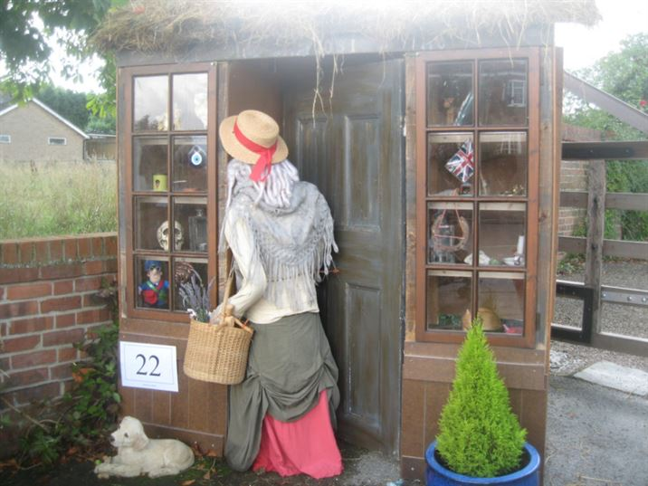 Scarecrows 2008: Famous Books (JF)