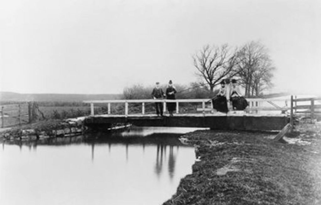 Beauties of the Grantham Canal 1 Gamston Swing Bridge (GCS)