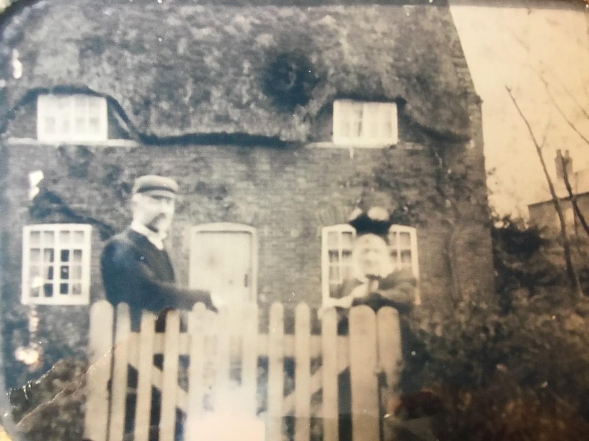 George & Martha Wiles outside Glebe Cottage (Norton family)